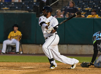 rosas-home-run-in-12th-inning-completes-new-britain-bees-comeback-win-over-road-warriors