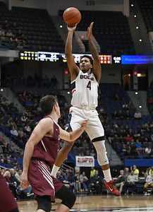 adams-nets-21-as-uconn-mens-basketball-routs-lafayette
