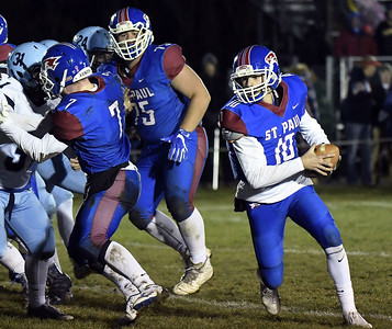 st-paul-football-made-sure-to-send-out-seniors-out-on-high-note-in-season-finale-against-oxford