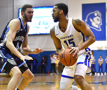 ccsu-mens-basketball-battles-late-into-second-half-but-falls-short-at-sacred-heart