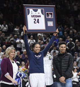 uconn-womens-basketballs-collier-puts-on-senior-day-show-at-gampel