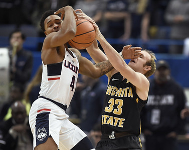 uconn-mens-basketball-falls-to-no-8-wichita-state-in-shockers-aac-debut