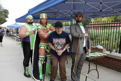 wrestlers-enjoy-a-local-following-at-muzzy-field-event