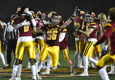 no-2-st-joseph-football-leans-on-defense-to-hold-off-no-1-daniel-hand-in-class-l-title-game-wins-third-class-in-three-years