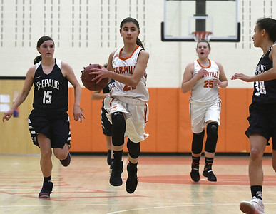 unseasonably-warm-weather-causes-floor-issues-for-terryville-basketball-boys-game-against-thomaston-postponed