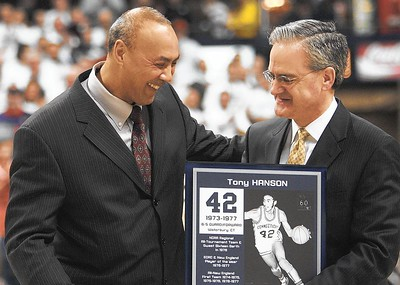 uconn-mens-basketball-legend-hanson-dies-at-63